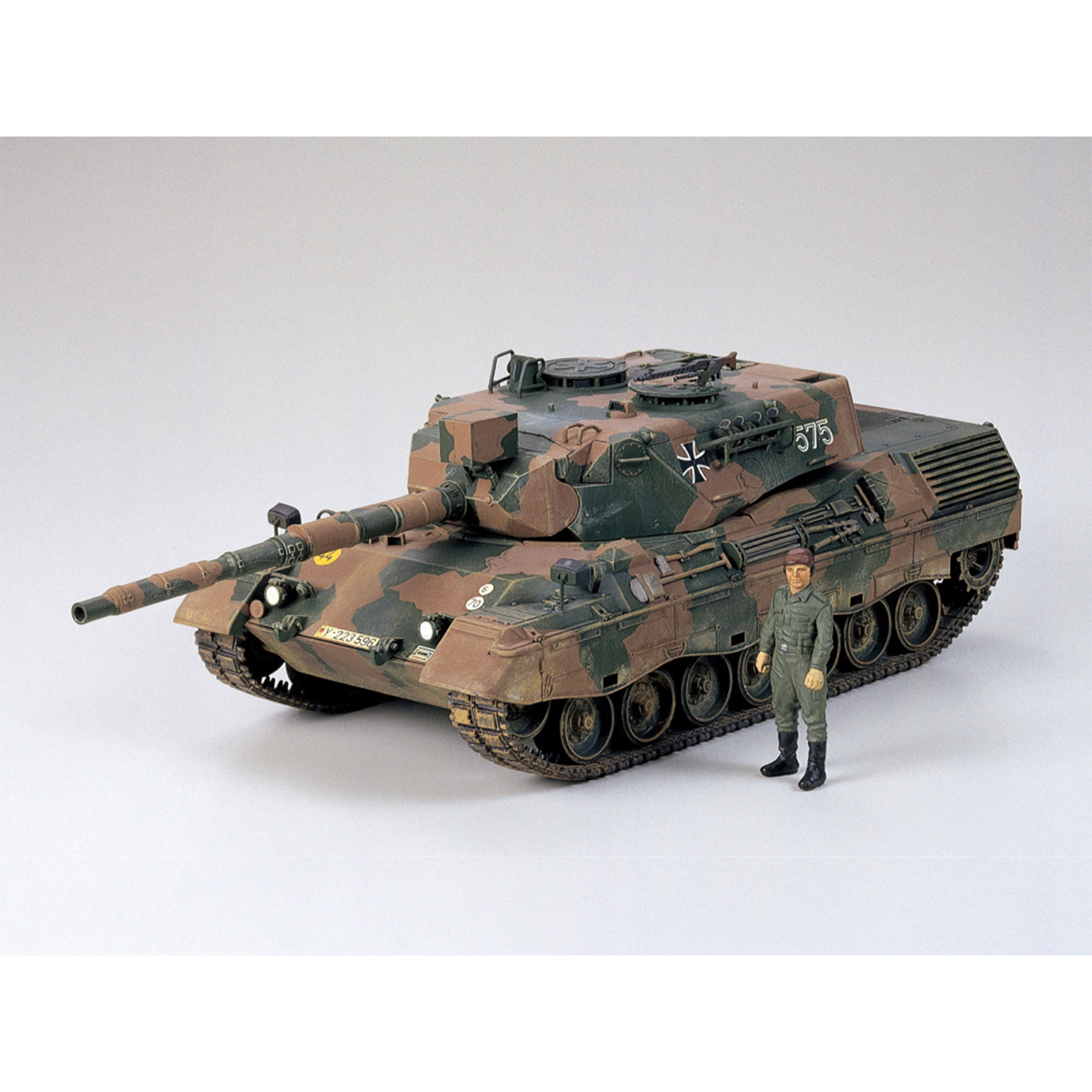 Tamiya 1:35 Bundeswehr Leopard 1A4 300035112